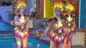 desgaste : group of women dancing in festive costumes Stock Footage