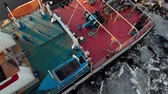 filmagens : parking of ships in the port on the river, aerial shooting from a copter