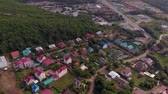 kablolar : Flying on residential buildings in the mountains. Aerial shot