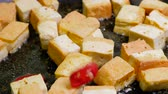 тофу : Homemade Tofu Stir Fry with Vegetable Red pepper
