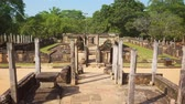 composto : Medieval ruins complex in Sri Lanka. Polonnaruwa. Panning shot. Stock footage 4k Vídeos