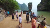 PHANG-NGA. Thailand - April 2018: Atemberaubende Aussicht von James Bond Island in Südthailand. UltraHD 4k-Video