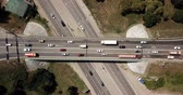 passagem elevada : Top down aerial view of transportation highway overpass, ringway, roundabout