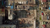 建設現場 : Top view fly over the construction site, crane, buildings