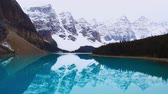アルバータ州 : Lake Moraine in an overcast day in Banff National Park, Canada. 動画素材