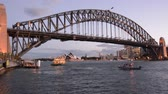 z��pad slunce : Sydney Harbor Bridge west side and Sydney Skyline at dusk light in Sydney New South Wales, Australia.