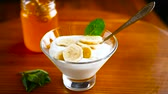 natural yogurt : sweet homemade yogurt with honey