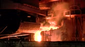 metalurgia : Metallurgy. Closing the melting furnace.