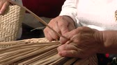 junco : The art of weaving with cattail leaves