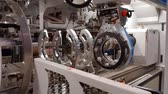fabricante : Rolling Drum Forming Tire Machine in Action at Car Tires Plant Stock Video Stock Footage