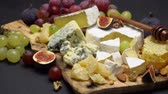 dorblu : Video of brie cheese, honey and grapes