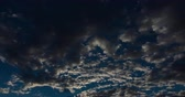 yukarıya bakıyor : Morning Clouds Fly Overhead. a time lapse of the morning sky with clouds flying right to left. Dark scene