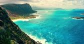 Oahu Shoreline View From Above Cliff Timelapse. a time lapse on the lighthouse trail looking over into the shoreline Stock mozgókép