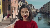 půvab : Attractive beautiful woman. Venice, Italy. Travel, lifestyle. tourism concept. Dostupné videozáznamy