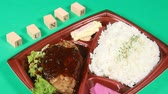 hambúrguer : Japanese bento (box lunch) with hamburger steak