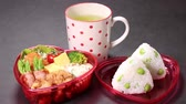 schwarzer tee : Heart shaped Bento box and Tea Videos