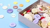 los : Lots of buttons in a box