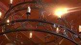 dekor : iron chandelier in European hotel Stok Video