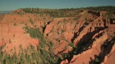 penhasco : aerial shot of Bryce Canyon national Park over eroded hills Stock Footage