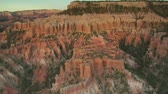 penhasco : aerial shot of Bryce Canyon national Park wide shot Stock Footage