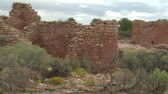 tégla : panning shot revealing ruins at at Hovenweep national Monument