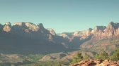 faaliyetler : Zoom out of distant vista in Zions National Park Stok Video