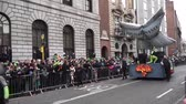 nappal : St Patricks Day Parade Dublin Large Floats Stock mozgókép