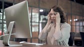irritação : Tired Old Woman with Headache at Work, Pain in Head