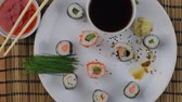 tuňák : Sushi set, Japanese food. Sushi rolls. Sushi menu. Flat design Top view.