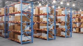 excesso de trabalho : Warehouse with cardboard boxes inside on pallets racks, logistic center. Huge, large modern warehouse. Warehouse filled with cardboard boxes on shelves. Loop-able seamless 4K 3D animation Vídeos