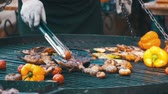 chřest : Preparing Meat and Vegetables on the Grill. Slow Motion