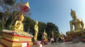 азиатский : Steadicam Shot Temple of big golden Buddha, Pattaya. Thailand.