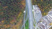 eyaletler arası : Drone flies over the road urban junction. Highway in Moscow. Birds eye view.Drone flies over the road urban junction. Highway in Moscow. Birds eye view.
