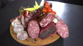 lauch : Sliced smoked sausage and ham