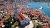 Flight around of the Church of St. Euphemia, Rovinj, Istria, Croatia Vídeos
