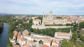castello : Aerial view of Beziers city with St Nazaire Cathedral and old bridge Filmati Stock
