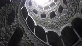 oog : Quinta da Regaleira bottom view in 4k