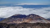 elewacja : Pico Viejo volcano crater with clouds Time Lapse