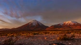 bolivya : Licancabur high volcano time lapse at sunset Stok Video