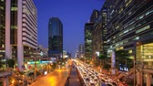 t��o : Bangkok Thailand - Mar 10, 2015: Time lapse video. City at twilight. Street with traffic chaos. This is the capital of Thailand