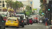 tłum : Los Angeles traffic. Busy street scene, Hollywood blvd. Walk of fame - August 2017: Los Angeles California, US