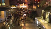 muçulmano : Hollywood & Highland shopping mall at night. Hollywood blvd - August 2017: Los Angeles California, US Stock Footage