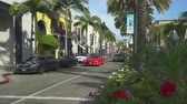 родео : Los Angeles street scene. Rodeo drive, Beverly Hills. Slider shot - August 2017: Los Angeles California, US