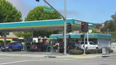 stacja paliw : Valero, American gas station - August 2017: Monterey, California, US