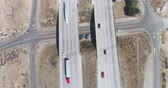 nákladní auto : Aerial view of interstate highway traffic between mountains. Interstate 15, California, US