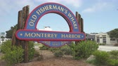 muçulmano : Old Fishermans Wharf sign in Monterey Bay - August 2017: Monterey, California, US Stock Footage