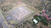 asteca : Aerial view of Teotihuacan, aztec pyramid - Mexico City Vídeos