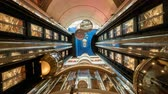 nível : Time laps of elevators inside a cruise ship