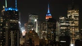 império : New York city time lapse at night with flickering Time Square lights