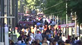 congestionamento : Slow motion, crowd of people walking on Mexico City Street